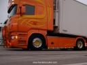 R560 Aurenico v8